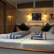 Slaapschepen_Miro_hotel_schip (7)